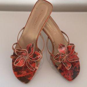 Pretty A. Marinelli Orange/Brn/Gold Flower Heels